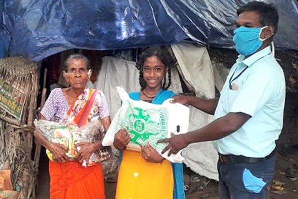 Children getting aid